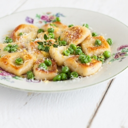 Gnocchi with Thyme and Peas