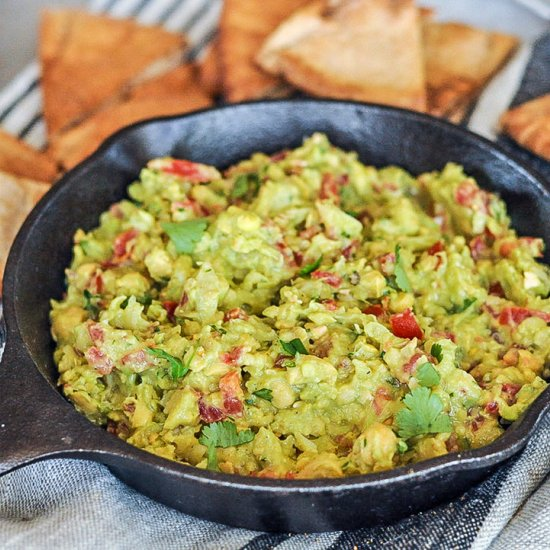 AVOCADO CHICKPEA DIP