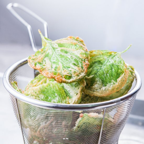 Crispy Spinach Chips
