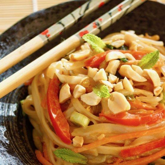 Vegetarian Pad Thai & Peanut Sauce