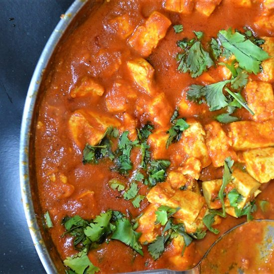 Easy Creamy Tofu Curry