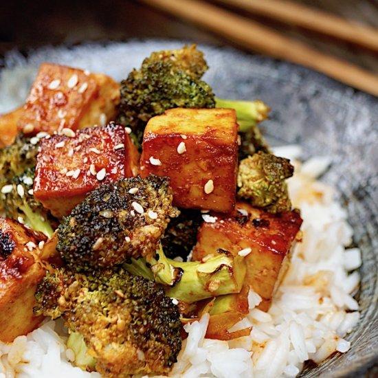 Sesame Sriracha Honey Glazed Tofu
