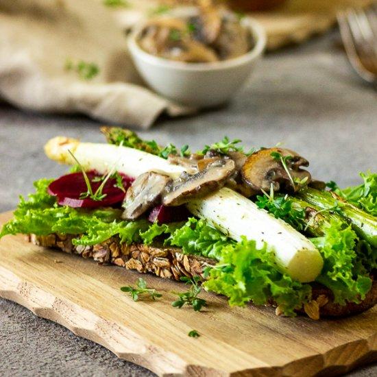 Asparagus Gourmet Toast
