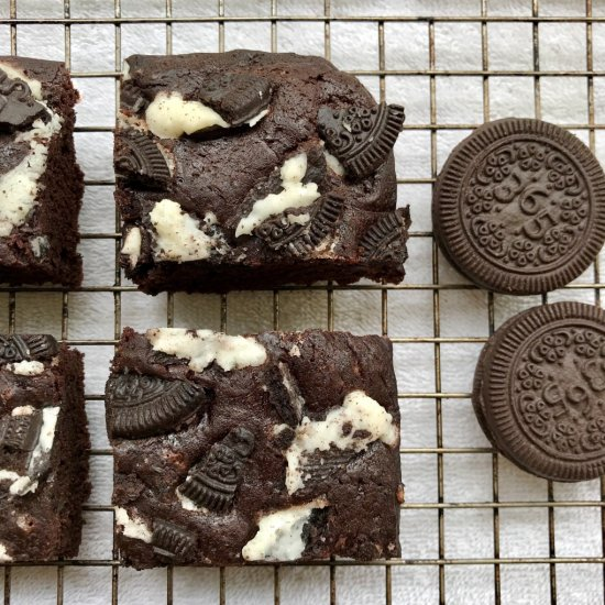 Vegan Oreo Brownies