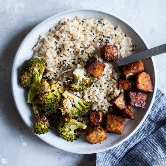 Sheet Pan Glazed Tempeh & Broccoli